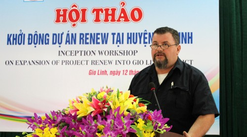 Magnus Johansson from NPA Viet Nam speaking at the workshop expanding UXO survey and clearance operations into Gio Linh District.